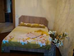 Квартира со всеми удобствами находится в самом центре - фото 2