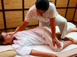 Тайский массаж. Традиционный тайский массаж. Профессиональный массажист со стажем